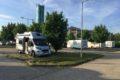 Sarvar, parking przy Termach