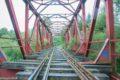 Tory kolejowe szlaku 284 podmyte przez rzekę Kaczawę
