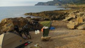 Nasze namioty na samym klifie