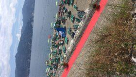 Plaża poniżej parkingu